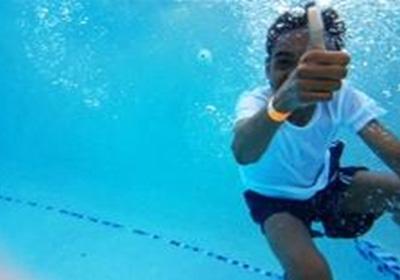 boy-in-swimming-pool-img